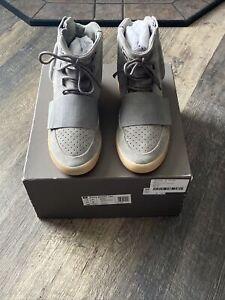 Adidas Yeezy Boost 750 Light Grey Glow In The Dark Size 10 100 % Authentic