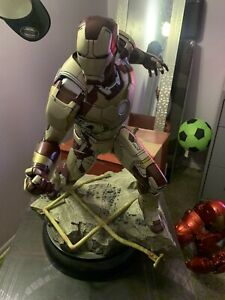 iron man 3 1/4 scale  sideshow collectibles