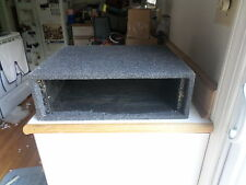 PROFESSIONAL 19 INCH 3U RACK MOUNT FELT COVERED WOOD CASE - NICE AND EASY TO USE