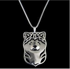 Hund Schmuck. Halskette mit Akita Inu - Hunde Kopf Anhänger. Silberüberzogen