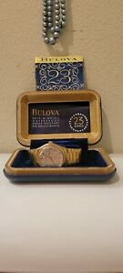 Lot 2 Vintage Bulova Mens Day/Date Dial Wacht Original box and Case 17 23 Jewel