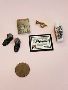 1 Pair 1:12 Dollhouse Miniature Accessories Red High-heeled Shoes Princess R/_ES