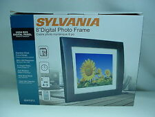 "SYLVANIA DIGITAL PHOTO FRAME 8"" SYLVANIA SDPF872 W- REMOTE NEW IN BOX A"
