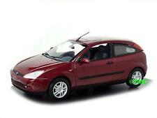 Ford Focus  3-türig    1998-2004  rot metallic    /  Minichamps  1:43