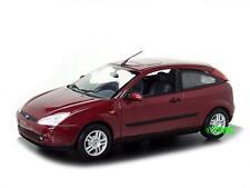 Ford Focus  3-türig    1998-2004  rot metallic    /  Minichamps  1:43