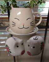 eb3286 Salt and Pepper Stoneware Ceramic Pottery Pigs Black /& White 4-12 Tall Vintage
