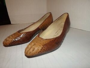 Women VTG. HORNBACK CROCODILE PUMPS SIZE 7.5 Leather Sole & Handmade