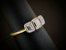 (SO4) 18ct Yellow Gold 0.95CT Emerald Cut Diamond Trilogy Ring 3.3Grams Size L