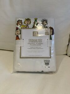 Pottery Barn Teen Flannel Snoopy Peanuts Holiday Pillowcases Christmas