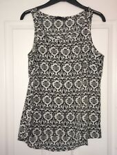 Lovely Size 10 Damask Printed Shift Top In Black And White