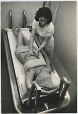 SPA Massage Vintage silver print Tirage argentique  20x30  Circa 1967