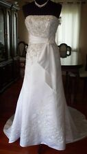 Alfred Angelo Wedding Dress Size 6 Retail $1,375!