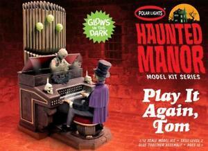 Play It Again Tom Haunted Manor styrene model kit Polar Lights mansion