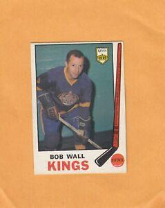 1969-70 O PEE CHEE BOB WALL NO:140  NEAR MINT    see scan     a