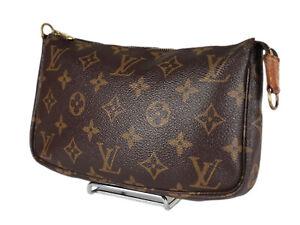 LOUIS VUITTON Monogram Canvas Pochette Accessoires Hand Bag LP3991
