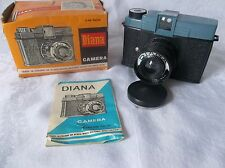 VINTAGE  DIANA CAMERA WITH CAP MANUAL AND BOX