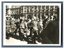 Libération de Paris août 1944, Défilé des prisonniers devant l'Hôtel de Vil
