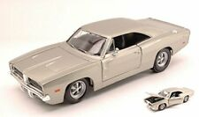 Dodge Charger R/t 1969 Silver 1:25 Model 31256S MAISTO