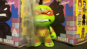 Teenage Mutant Ninja Turtles Raphael Shell Shock Series 2 Figure Kidrobot
