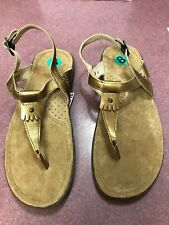 NWT COLUMBIA  Thong sandal size 8