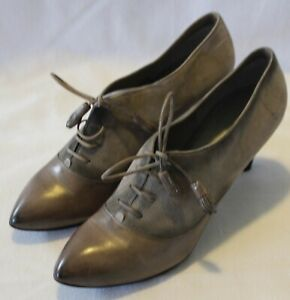COSTUME NATIONAL ITALY ~ Taupe Grey Pointed Toe Lace Up Leather Heels EU 40 US 9