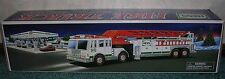 2000 HESS TOY FIRE TRUCK NIB HESS HOLIDAY TRADITION REAL LIGHTS SIREN & HORN