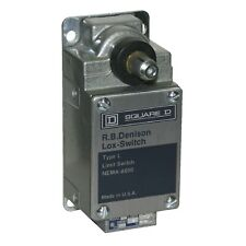 """Square D L300 Foundry Limit Switch - 2 contacts - Spring Return - CW - 1/2"""" NPT"""