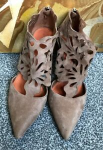 ZARA LAZER CUT OUT BEIGE HIGH HEEL POINTED SHOES SIZE EUR 39 / UK 6