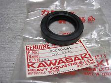KAWASAKI nos Piñón Portador Sello De Aceite F11-A/B 92050-061