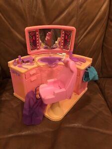 1983 Vintage Barbie Pink Beauty Hair Salon With Accessories Mattel