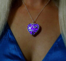 Purple Glowing Heart Glow in the Dark Pendant Necklace & UV Torch Charger