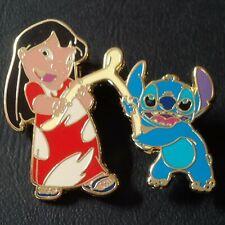 Pin badge pin's Disney Stich lilo & stitch dog chien dessin animé comics BD