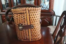 Vintage Wine Basket Carrier Insulated and Picnic Basket Pre-Owned