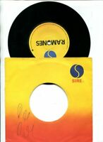 THE RAMONES - AUTOGRAPH BY FOUR 1978 SIGNED Road to Ruin sampler 7 INCH