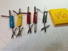 5 Victorinox Swiss Army Knives      lot V6