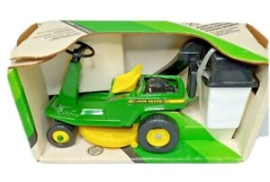 VTG ERTL #5588 John Deere 1/12 Scale Rear Engine Riding Lawn Mower Bagger 1990