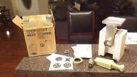 VINTAGE DAZEY ELECTRIC FOOD- MEAT GRINDER WITH 4 BLADES AND INSTRUCTIONS-#3100