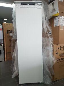 New Unboxed AEG SKE818E1DC Tall Fully Integrated Larder Fridge Fixed Door