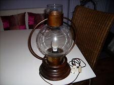 Rustikale Tischleuchte  braun mit Holz und Glaszylinder u messing einfassung alt
