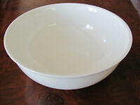 "Christopher Stuart Heritage White Y1000- 8"" Round Serving Bowl"