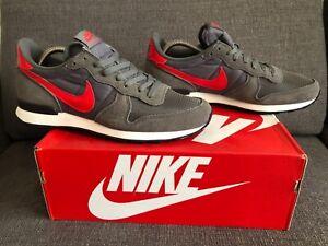 Nike Internationalist vintage  UK size 9