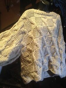 Hand Knit Beige1980's Kimono Sleeved Wool Pull Over Sweater
