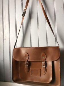 Cartable besace neuf cuir brun .(J/Y) *