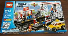 NEW LEGO CITY 7937 TRAIN STATION BOX IN GREAT CONDITION CREATOR/TOWN