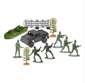 A set of plastic toy play soldiers Capture operation troops car boat miniature