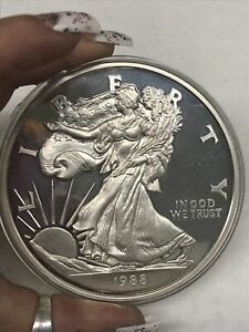 1988 1/2 Pound .999 Fine Silver Large American Eagle Coin w Capsule