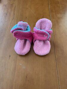 Zutano NWOT Pink/Aqua Fleece Booties- 6 Months