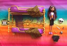 Monster High Playset----Clawdeen Wolf *Room to Howl* Bunk Beds----COMPLETE (74)