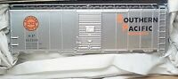 Accurail HO 8105 Southern Pacific- Overnights  AAR 40' Steel Boxcar # 163108