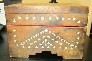 OLD HAND MADE MOTHER OF PEARLS INLAID WOODEN TRAMP FOLK JEWELRY TRUNK BOX